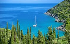 En voilier dans la mer Ionienne | Discover Greece