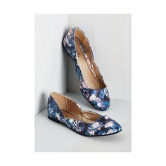 Just ordered these too - they remind me of Monet's Water Lillies. Nice to wear with jeans, methinks. >> Giddy By Association Flat. Floral Print Shoes, Floral Pumps, Dressy Flats, Ballet Shoes, Ballet Flat, Indie Outfits, Blue Flats, China, Vegan Shoes