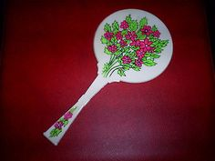 YOUNG GIRLS HAND HELD MIRROR ~ VINTAGE! ~ 1960'S ~ MADE IN USA