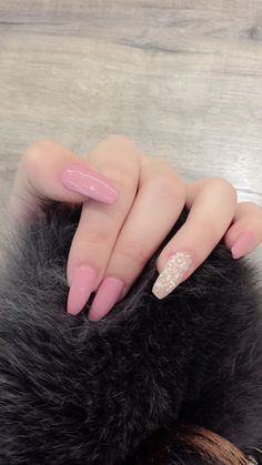 18 Beautiful Pink Manicure of the Season For Your Nails nailsart naildesign pinknails Acrylic Nails Coffin Short, Pink Acrylic Nails, Acrylic Nail Designs, Coffin Nails, Pink Coffin, Pink Manicure, Gel Nails, Trendy Nails, Cute Nails