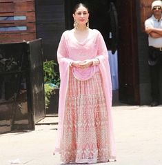 May 8, 2018: #sonamkishaadi #sonamanandwedding  Kareena Kapoor Khan at #SonamKapoor's wedding today beautiful in pink lehenga ensemble  #kareenakapoorkhan  #india #bollywood #fashion #womenswear #womensfashion #springfashion #indianfashion #desifashion #bollywood #wedding #weddingbells  #EverydayPhenomenal #lehenga #pinklehenga via @sunjayjk