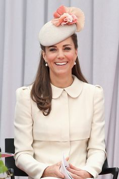 Kate Middleton, debuted an Alexander McQueen coat dress w/ Jane Taylor fascinator and L. Bennett pumps, at a ceremony commemorating World War I in Belgium. Moda Kate Middleton, Style Kate Middleton, Princesse Kate Middleton, Kate Middleton Prince William, Kate Middleton Photos, Prince William And Kate, William Kate, Kate Middleton Fashion, Duke And Duchess