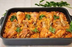 """""""Lazy"""" legs You will need: 1 package of chicken thighs 2 carrots, 2 onions, 1 can of canned corn, cup mL) rice (we sort of Jasmine) 500 ml boiling Baked Chicken Drumsticks, Easy Baked Chicken, Chicken Legs, World Recipes, Meat Recipes, Chicken Recipes, Tilapia, Canned Corn, Tandoori Chicken"""