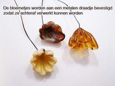 Zandstorm: Glazen bloemetjesketting (Glaskralen,andere)
