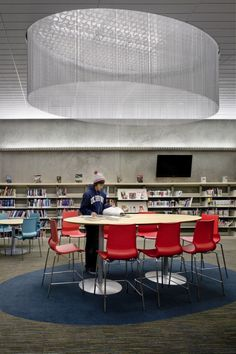 Valley-Hi North Laguna Library interiors, by Noll + Tam Architects espacio oval