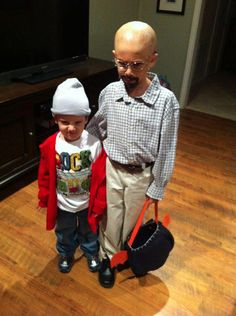 Funny pictures about Breaking Bad Halloween Costume. Oh, and cool pics about Breaking Bad Halloween Costume. Also, Breaking Bad Halloween Costume. Costume Breaking Bad, Breaking Bad Kostüm, Breaking Bad Halloween Costume, Bad Halloween Costumes, Theme Halloween, Halloween Kids, Awesome Costumes, Funny Halloween, Happy Halloween