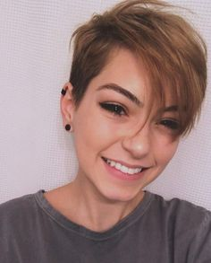 Side-Parted-Long-Pixie Best Short Haircuts for Girl Short Hair, Short Hair Cuts, Short Hair Styles, Girls Short Haircuts, Stylish Haircuts, Pixie Hairstyles, Hairstyles With Bangs, Teenage Hairstyles, Easy Hairstyles