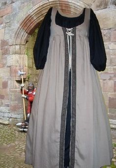 Renaissance Costume Medieval SCA Garb French or Italian Ren Style Two Piece Overgown and Chemise