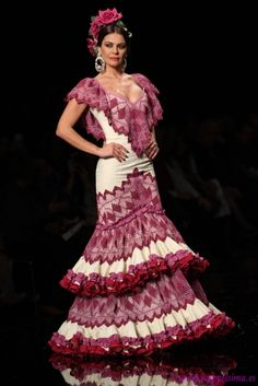 Traje de Flamenca - Loli-Vera - Simof-2015 WELCOME TO SPAIN! FANTASTIC TOURS AND TRIPS ALL AROUND BARCELONA DURING THE WHOLE YEAR, FOR ALL KINDS OF PREFERENCES. EKOTOURISM:   https://www.facebook.com/pages/Barcelona-Land/603298383116598?ref=hl