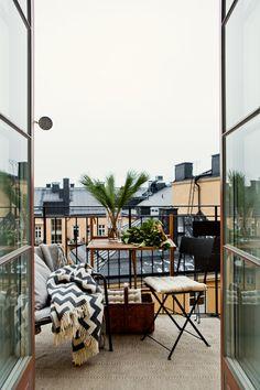 Bondegatan Stockholm Balcony zig zag Brita Sweden view plants pillows Fantastic Frank