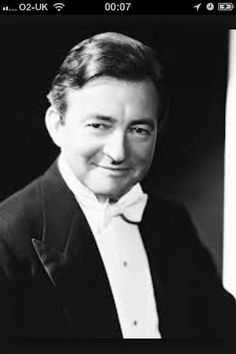 Claude Hollywood Actor, Classic Hollywood, Old Hollywood, Classic Actresses, Classic Movies, Claude Rains, Bette Davis, Bright Stars, Classic Man