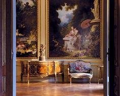A pastoral scene flourishes in a formal parlor.  ~Splendor
