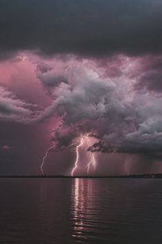 love photography light Cool sky vintage Grunge night water dark heart blue pink purple clouds nature sea lightning see yoursummerdreamz Image Nature, All Nature, Amazing Nature, Pink Nature, Flowers Nature, Beautiful Sky, Beautiful World, Beautiful Places, Beautiful Pictures