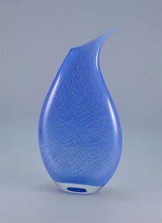 Michael Hunter Twists Glass blue merletto vase http://www.scarabantiques.com/michael-hunter-twists-glass-blue-merletto-vase/888