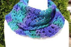 Häkelschals - Schal gehäkelt blau grün lila Tuch Mode lace  - ein Designerstück von trixies-zauberhafte-Welten bei DaWanda