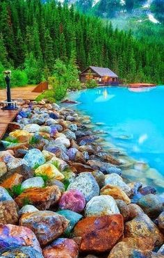 Rocky shore lake louise canada 1