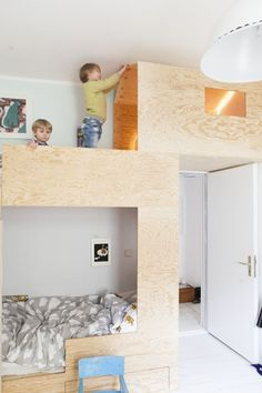 Kreativlinge // Einfache Ideen mit Sinn (A Pinch of Style) Creatives // Simple ideas with meaning Kid Beds, Bunk Beds, Modern Kids, Kids Decor, Home Decor, Kids Corner, Kid Spaces, Kidsroom, Kids Furniture