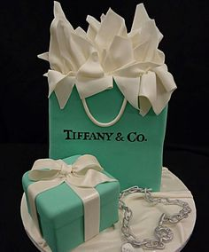 Tiffany's cake | fashion | love | creative cakes