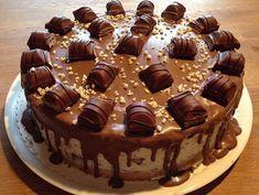 Nicht nur die Kleinsten lieben Kinder Bueno – kein Wunder also, dass dieses Rezept für eine Kinder-Bueno-Torte immer gut ankommt! … Continued