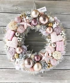 Likes, 6 Comments - Fiestas Con Estilo ( on Insta . Rose Gold Christmas Decorations, Christmas Advent Wreath, Xmas Wreaths, Xmas Decorations, Christmas Home, Christmas Crafts, Christmas Tree Ideas, Rose Gold Christmas Tree, Mery Chrismas