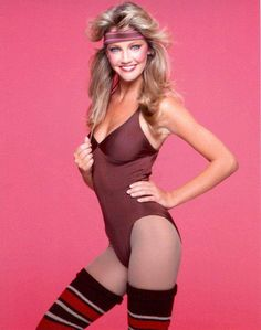 """Heather Locklear DEFINES That Whole Outfit Girls Wear to """"'80s Parties"""""""