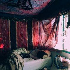 More (room inspiration grunge) Hippie Bedroom Decor, Hippy Bedroom, Bohemian Style Bedrooms, Bohemian Homes, Grunge Bedroom, Aesthetic Room Decor, Room Ideas Bedroom, Dream Rooms, My New Room