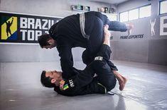 The De La Riva (DLR) is one of the tough Brazilian jiu jitsu guard positions created by Ricardo de la Riva. It's tough BJJ control popular within several jiu-jitsu practitioners in the BJJ Gi game mode. Jiu Jitsu Belts, Jiu Jitsu Training, Jiu Jitsu Techniques, Brazilian Jiu Jitsu, Martial Arts, Positivity, Quote, Popular, Workout