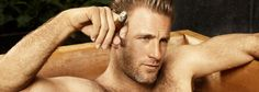 scott caan. Not typically a fan of smoking but, Jiminy Cricket, does he look insanely hot