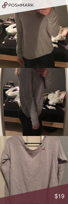 Gray Hollister Pullover Gray Hollister Pullover Sweater; super comfy and not tight fighting Hollister Sweaters