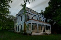 The Mayor's Mansion, Paris Texas USA. (In paris we called is the haunted house in slate shoals)