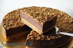 Nutella Cheesecake - No-bake Nutella Cheesecake. The creamiest, richest, loaded cheesecake with Nutella and toasted hazelnuts. No Bake Desserts, Just Desserts, Delicious Desserts, Dessert Recipes, Yummy Food, Sweet Desserts, No Bake Nutella Cheesecake, Cheesecake Recipes, Nutella Pie