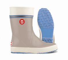 Nokian Gummistiefel Hai sand blau Hai, Hunter Boots, Rubber Rain Boots, Footwear, Shoes, Fashion, Welly Boots, Branding, Moda
