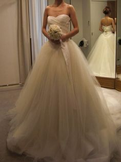Pity its strapless Wedding Bride, Wedding Gowns, Dream Wedding, Wedding Ideas, Pin On, Vera Wang Dress, Princess Style, Sweet Dress, Dream Dress