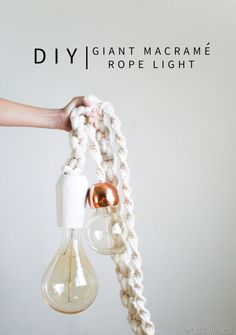 DIY Giant Macrame Rope Light Tutorial Could also work around the cable of an existing lamp (kitchen?)