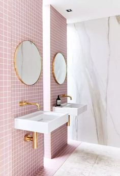 Pink Bathroom Tiles, Pink Tiles, Bathroom Tile Designs, Bathroom Trends, Bathroom Flooring, Bathroom Interior Design, Decor Interior Design, Modern Bathroom, Pink Bathrooms