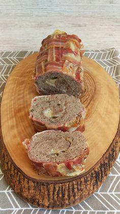 Ruladă de carne tocată cu parmezan, în crustă de bacon. Lchf, Keto, Bacon, Carne, Parmezan, Food And Drink, Pork, Pork Belly