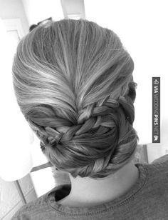 Sweet - Updo Wedding Hairstyles We Love | CHECK OUT MORE IDEAS AT WEDDINGPINS.NET | #weddings #hair #weddinghair #weddinghairstyles #hairstyles #events #forweddings #iloveweddings #romance #beauty #planners #fashion #weddingphotos #weddingpictures