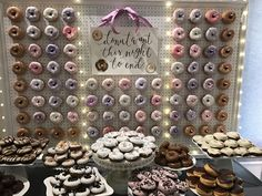Donut walls are the newest wedding trend for 2017