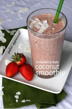 With just 4 ingredients and no added sugar, this paleo strawberry kale coconut smoothie makes it easy to eat healthy. Smoothie Drinks, Healthy Smoothies, Healthy Drinks, Smoothie Recipes, Freezing Smoothies, Healthy Food, Healthy Eating, Paleo Recipes, Whole Food Recipes