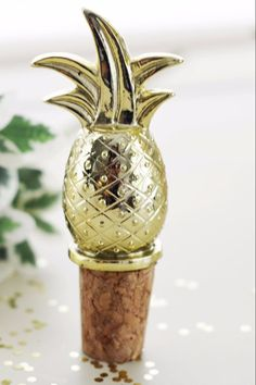 Pineapple Bottle Stopper Favor (Gold)