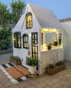 60 Adorable Farmhouse Cottage Design Ideas And Decor - Googodecor Backyard For Kids, Backyard Patio, Backyard Storage, Backyard Landscaping, Patio Roof, Play House Outdoor Kids, Patio Bar, Backyard Retreat, Casa Kids