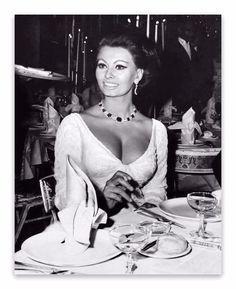 A drop dead gorgeous Sophia Loren.