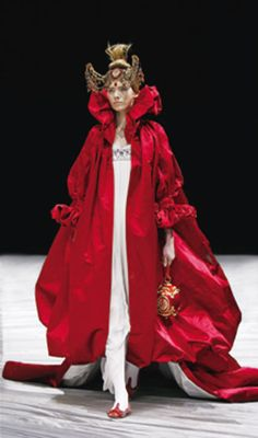 Alexander McQueen; gorgeous evil queen