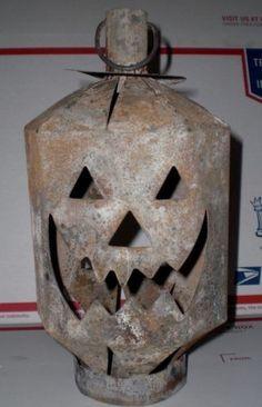 Vintage-Halloween-Rusted-Metal-Tin-Jack-O-Lantern-Hanging-Lantern-Candle-Holder