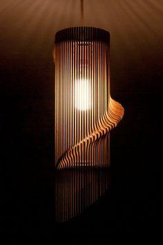 Torsadée Lasercut abat-jour en bois n ° 1    Parfait pour nimporte quelle pièce, il crée un point focal unique et jette des ombres magnifiques,