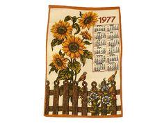 Vintage Sunflower Print 1977 French Kitchen Towel Calendar.