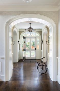 New TennesseeStyle Farmhouse Foyer Foyer Architectural Detail American TraditionalNeoclassical Farmhouse by Tim Barber Ltd Southern Architecture, Residential Architecture, Architecture Details, Colonial Revival Architecture, Tim Barber, Colonial Style Homes, Colonial Home Decor, French Style Homes, European Home Decor
