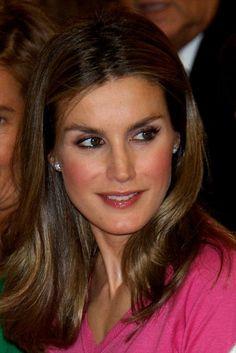 """Princesse Létizia d'Espagne préside le """"PRIX V LA VIE"""" - PRINCESS MONARCHY"""