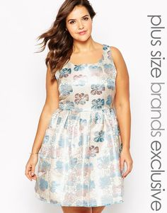 """Plus size dress by Truly You Metallic print fabric Scoop neckline Pleated skirt Zip back fastening Regular fit - true to size Hand wash 100% Polyester Our model wears a UK 18/EU 46/US 14 and is 178cm/5'10"""" tall Exclusive to ASOS"""