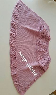 Gradient Baby Vest Making – yonca yurder – Join the world of pin Baby Knitting Patterns, Baby Hats Knitting, Knitting Wool, Kids Patterns, Easy Knitting, Knitted Hats, Diy Crochet, Crochet Baby, Brei Baby